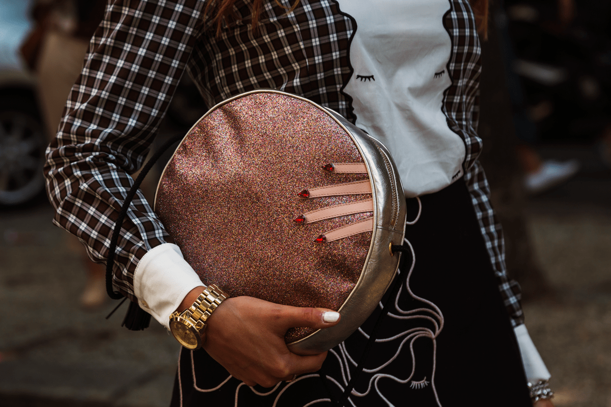 round-clutch-bags