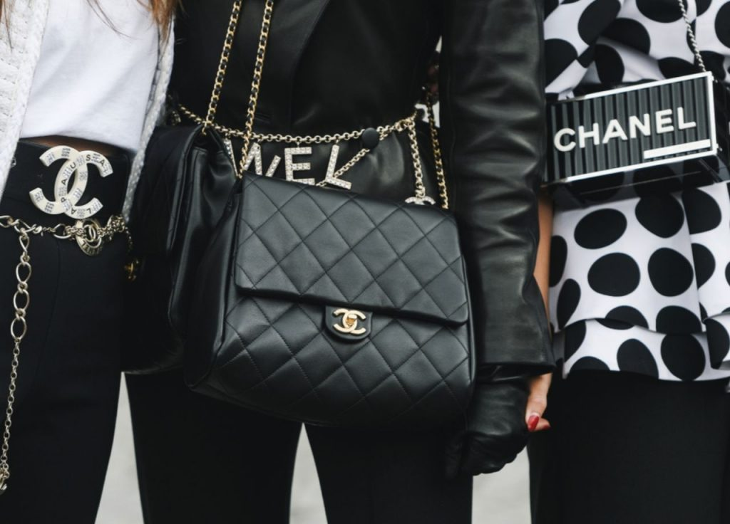 how to spot a vintage Chanel purse -chanel bag